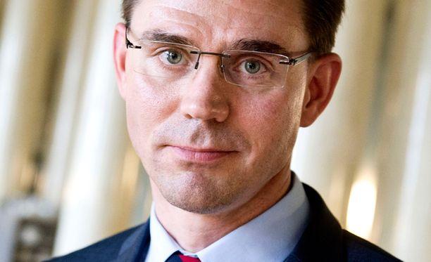Pääministeri Jyrki Kataisen hallituksen sote-uudistus ei oikein vakuuta vieläkään eripuraisen asiantuntijatyöryhmän esityksen pohjalta.