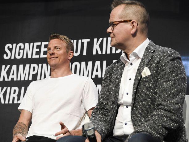 Kimi Räikkönen ja Kari Hotakainen kirjan julkistustilaisuudessa vuonna 2018.