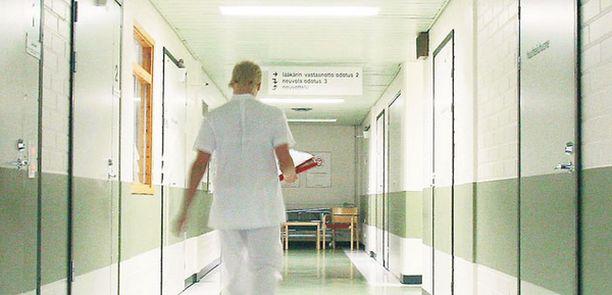 Suomen suurimmassa sairaanhoitopiirissä HUS:ssa tehtiin viime vuonna 6090 yhteydenottoa potilasasiamiehiin.
