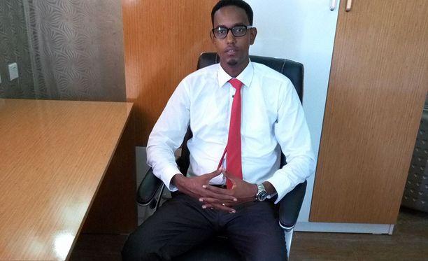 Abas kerkisi palvella ministerinä vain kuukauden ennen kuin omat sotilaat ampuivat hänet.