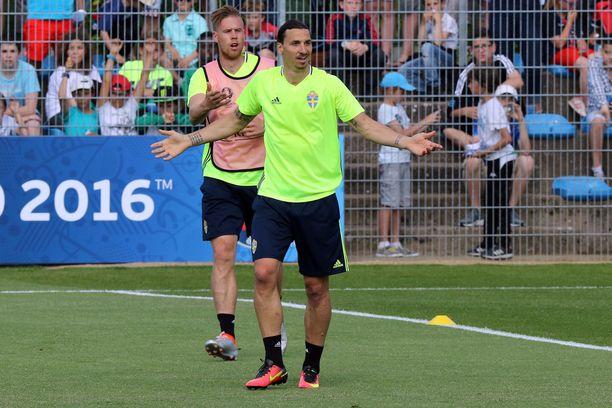 Zlatan Ibrahimović ja Pontus Jansson edustivat Ruotsia vuoden 2016 EM-kilpailuissa.