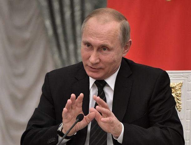 Putin matkustaa Savonlinnan oopperajuhlille kunniottamaan 100-vuotiasta Suomea.