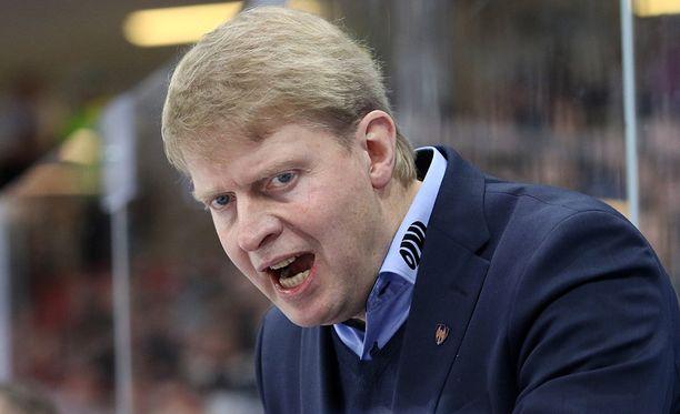 Tappara-luotsi Jukka Rautakorpi ei protestoinut jatkoajan jäähyä.