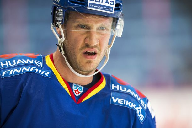 Vuoden 2011 kultaleijonan Ossi Väänäsen peliura päättyi Jokereissa kaudella 2015-16.