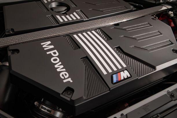 BMW:n kaikkien aikojen tehokkain suora kuutosmoottori jyrrää X3.n ja X4:n pellin alla.