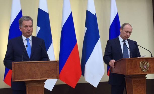 Presidentit Niinistö ja Putin tapasivat tiistaina.