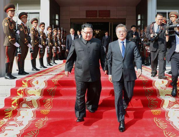 Moon Jae-in tapasi Kim Jong-unin jo toisen kerran maiden välisellä rajalla toukokuun lopussa.