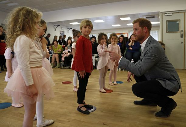 Prinssi Harry vieraili torstaina Länsi-Lontoossa.