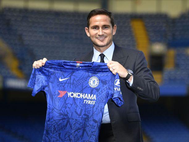 Frank Lampard siirtyy Chelsean manageriksi kolmevuotisella sopimuksella.