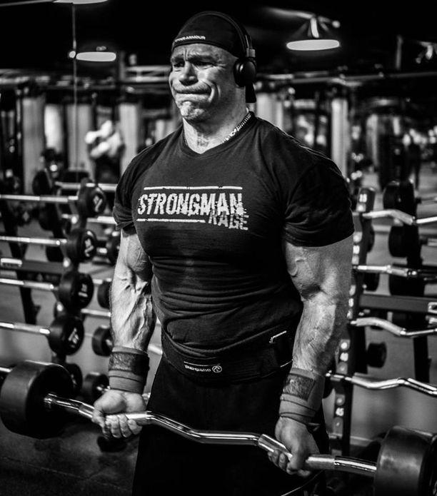 Lihaskimppu Ilkka Kinnunen työskentelee nykyään Strongman Champions Leaguen parissa.