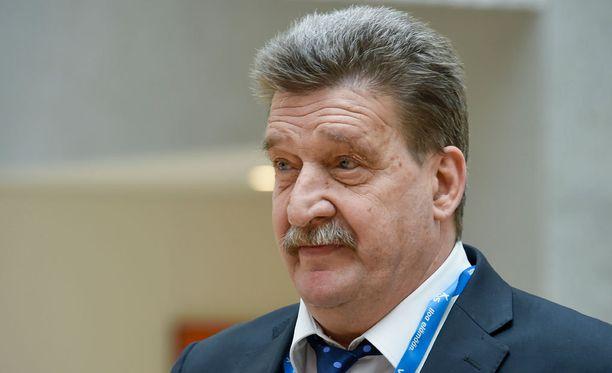 Palloliiton puheenjohtaja Pertti Alaja ei ollut paikalla päävalmentaja Markku Kanervan lehdistötilaisuudessa.