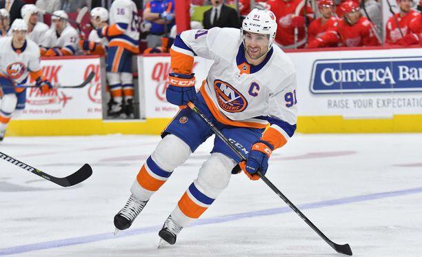 John Tavares on kiekkoillut koko aiemman NHL-uransa New York Islandersissa.