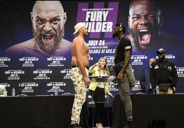 Tyson Furyn ja Deontay Wilderin titteliottelu siirtyi lokakuuhun.