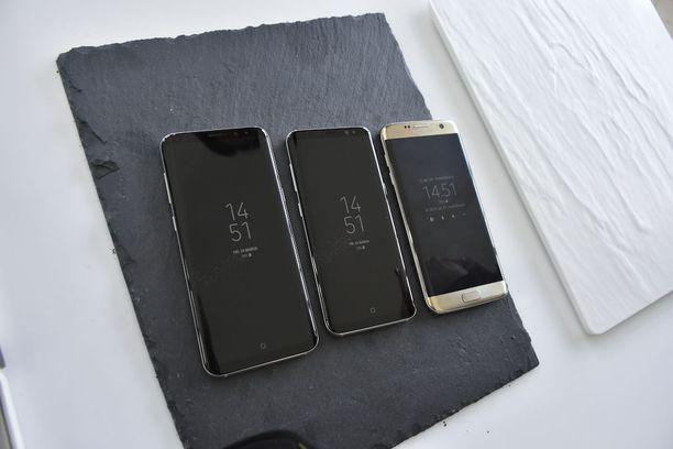 Vasemmalta Galaxy S8+, S8 ja S7.
