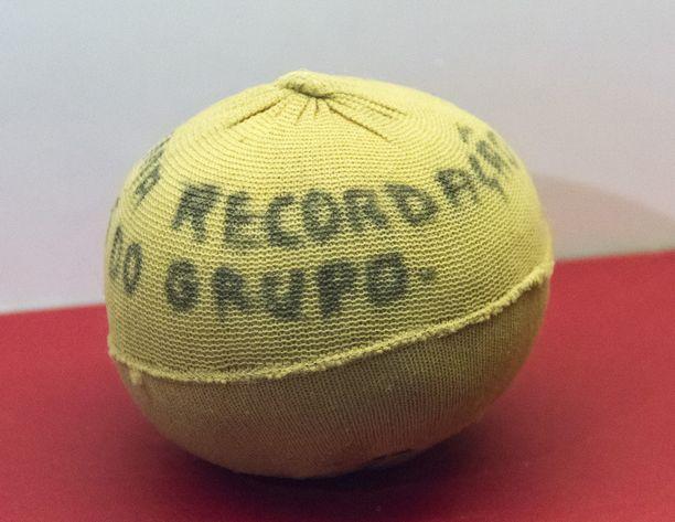 Pelén seuran pallo varhaisilta juniorivuosilta.