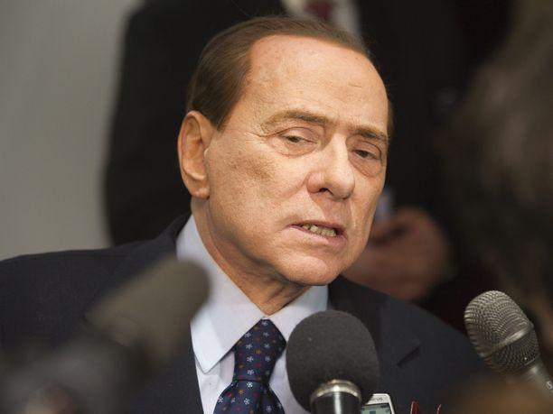Talousrikoksista tuomittu Italian ex-pääministeri Silvio Berlusconi päätti Iltalehden tietojen mukaan jättää viime hetkellä Helsingin EPP-kokouksen väliin.