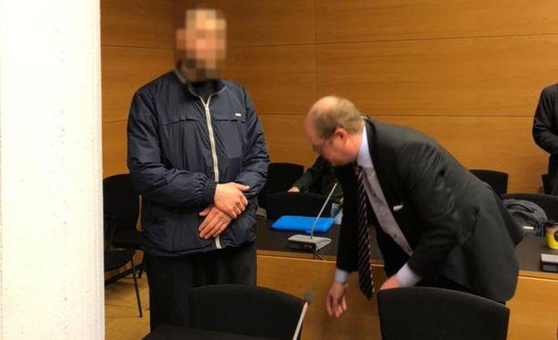 33-vuotias hämeenlinnalaislähtöinen mies kiistää, että hän olisi suunnitellut menevänsä Syyriaan terroristisessa taistelutarkoituksessa.