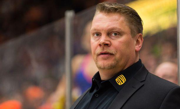 Pekka Virta haastoi tiistaina Tapparan maalin.