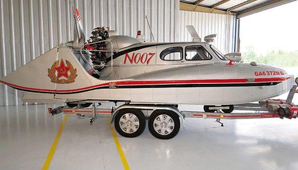 Aikoinaan huippusalainen hopeanhohtoinen Tupolev N007 on kiertänyt viime vuosina lukuisissa näyttelyissä ja saanut useita palkintoja.
