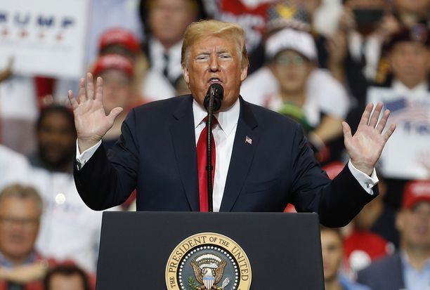 Presidentti Donald Trump on myöntänyt tappionsa edustajainhuoneen vaaleissa.