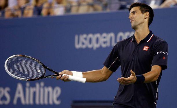 Novak Djokovic kohtaa välierässä kymmenneksi sijoitetun Kei Nishikorin.