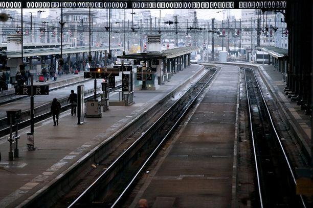 Rautatieasema Lyonissa hiljeni maanantaina.
