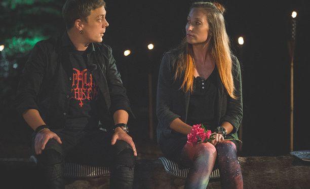 Minna ja Sammy puivat suhdettaan vielä Temptation Island Suomen jälkeenkin. Kaksikko jäi Thaimaahan neljäksi päiväksi kameroiden sammuttua. Rakkaudessa annetaan mahdollisuuksia, Minna muistuttaa.