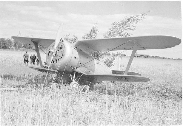 Pakkolaskun tehnyt Polikarpov I-15 kuvattuna Kerimäellä jatkosodan alussa 25.6.1941. Kuvan kone ei liity tapaukseen.