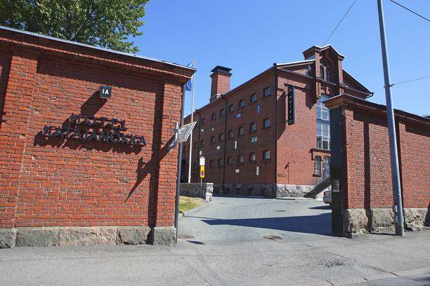 Katajanokan vankilahotellin sisätiloihin on ensi vuonna luvassa remonttia.
