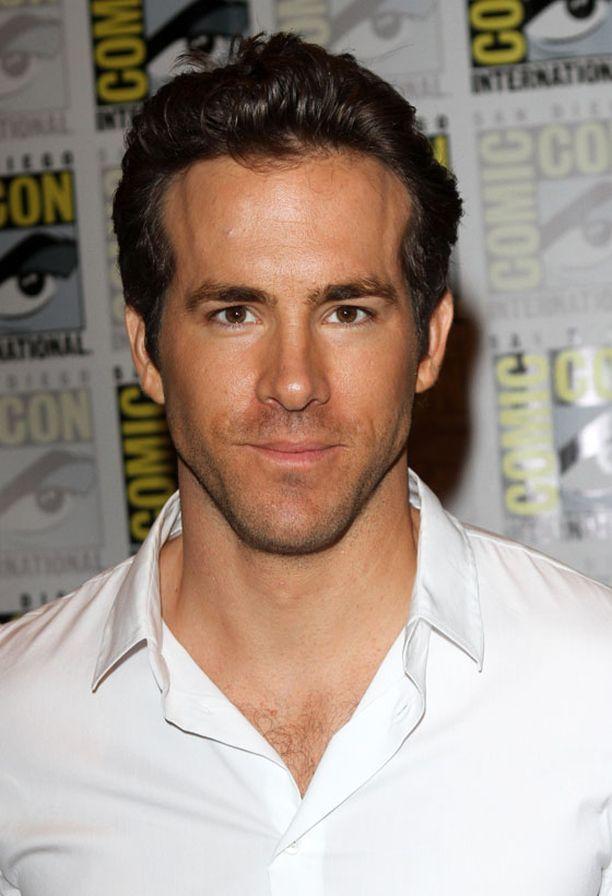Ryan Reynoldsin roolihahmo Hal Jordan liittyy jäseneksi linnunradan Vihreät Lyhdyt -joukkoihin.