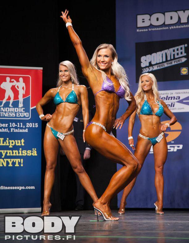 Susanna Mustajärvi osallistui ensimmäisiin fitness-kisoihinsa ja voitti.
