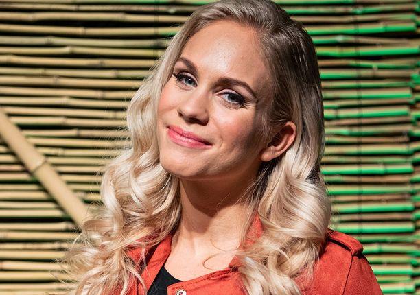 Eevi Teittinen tunnetaan esimerkiksi televisiosarjoista Tanssii tähtien kanssa, Selviytyjät Suomi ja Fort Boyard Suomi.