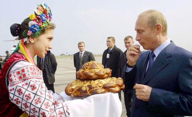 Vladimir Putin saapui vierailulle Ukrainaan vuonna 2002, jolloin Krimin miehittämisestä ei ollut vielä tietoakaan.