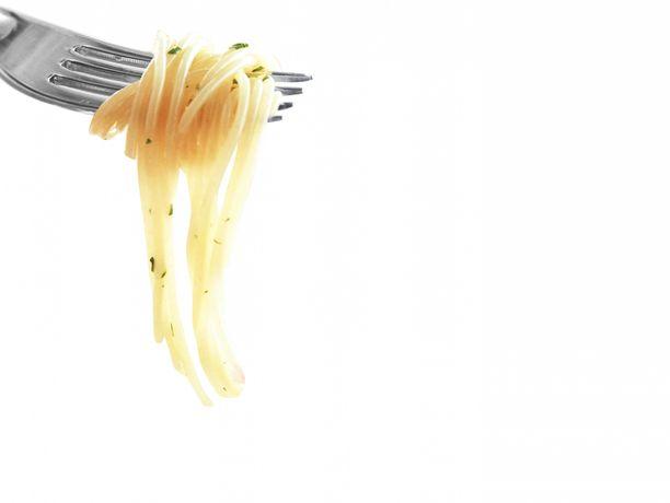 Spagettia haarukassa.