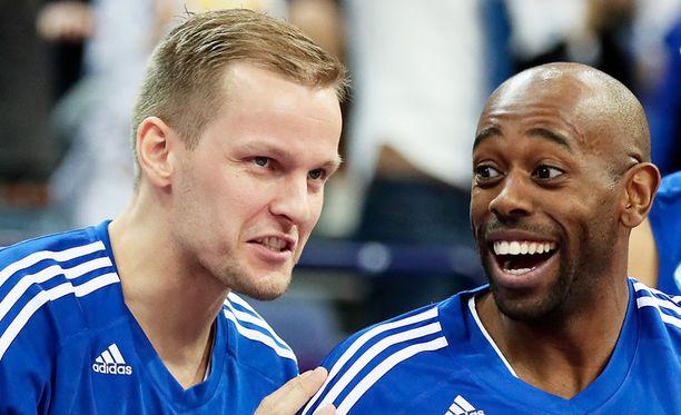 Mikko Koivisto (vas.) ja Jamar Wilson ovat harjoitelleet normaalisti Susijengin mukana.
