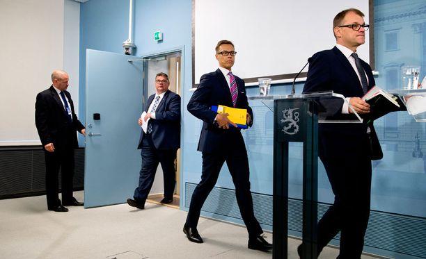 Pääministeri Juha Sipilän hallitus valmistelee pikavauhtia kilpailukykypakettiaan.