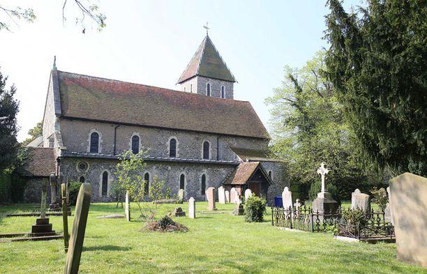 Davingtonissa sijaitseva kirkko on Geldofin perheen kotikirkko. Peachesin vanhemmat siunattiin kirkossa Las Vegas -häiden jälkeen vuonna 1986.
