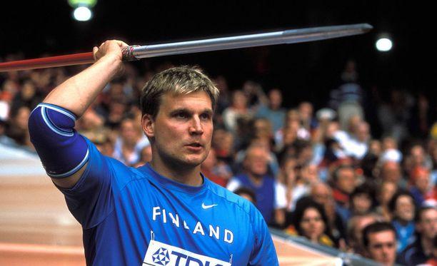 Vuonna 1974 syntynyt Aki Parviainen on vuoden 1999 maailmanmestari. Hänellä on keihäänheito SE 93,09.