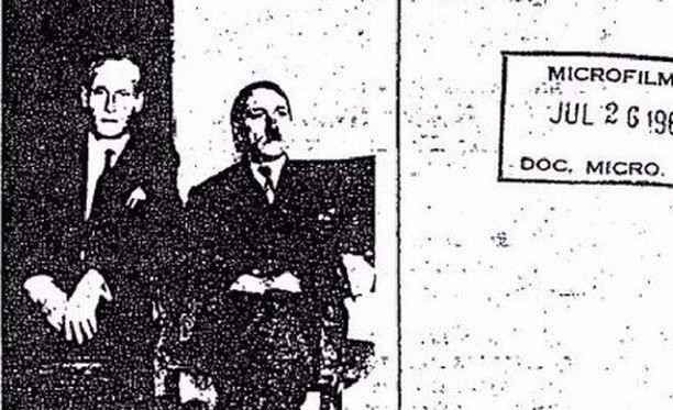 Tässä kuvassa Phillip Citroen väittää istuvansa Adolf Hitlerin kanssa Kolumbiassa joskus 1950-luvun alussa.