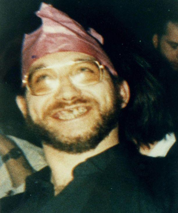 Liikanimi Smelly Bob eli Haiseva Bob seurasi Robert Blackia lapsuudesta aikuisuuteen.