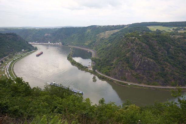 Loreleyn kohdalla Rein on kapeimmillaan Pohjanmeren ja Sveitsin välillä. Voimakas virtaus ja vedenalaiset kivet ovat aiheuttaneet joella monia veneonnettomuuksia.