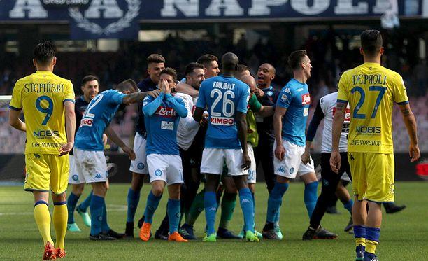 Tiukille meni! Napoli kaatoi Chievon Amadou Diawaran loppuhetkien maalilla.