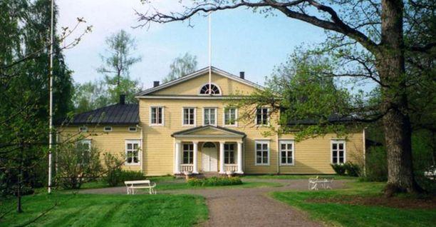 Linnan kartanon päärakennus sai nykyisen ilmeensä vuoden 1843 remontissa.
