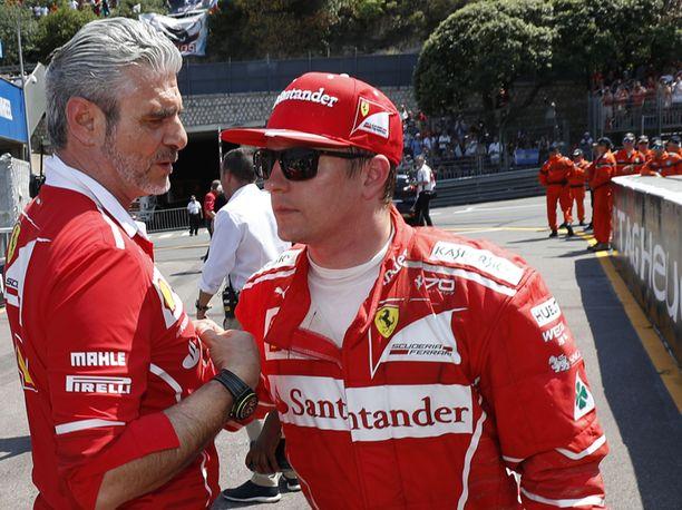 Maurizio Arrivabene ja Kimi Räikkönen tulevat hyvin toimeen keskenään. Arrivabene puhui tiettävästi Räikkösen Ferrari-jatkon puolesta, mutta yhtiön johdossa päädyttiin toisenlaiseen ratkaisuun.