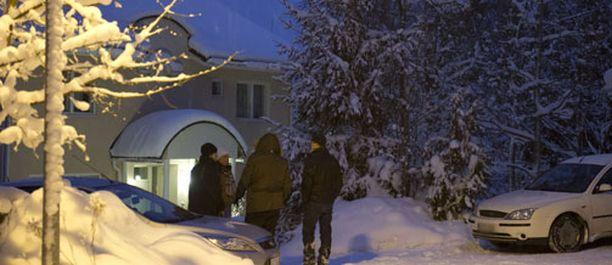 VARTIO Sauli Niinistön Espoossa sijaitseva omakotitalo on poliisin jatkuvassa valvonnassa.