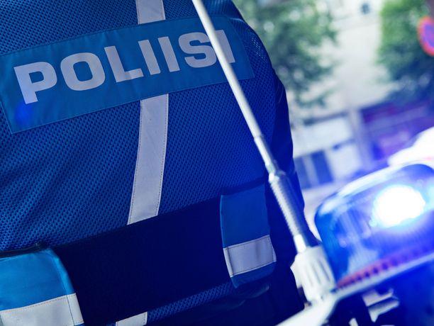 Lapin poliisilaitos on huolestunut nuorten asenteesta liikenneturvallisuutta kohtaan.