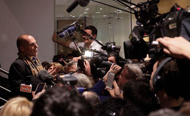 Kreikan valtiovarainministeri Gianis Varoufakis antoi medialle kommentteja kokouksen jälkeen.