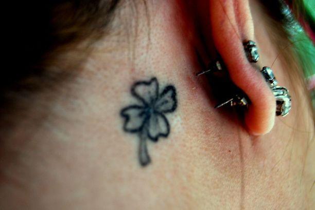 Yliherkkyysreaktioita havaitaan yleisimmin pienissä tai keskikokoisissa tatuoinneissa eikä laaja-alaisissa.