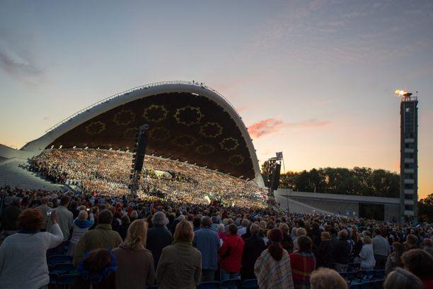 Tallinnan laululava laulujuhlien aikaan vuonna 2014.