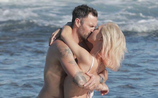 Brian Austin Greenillä uusi kulta Megan Foxin jälkeen: kuumat rantakuvat Sharna Burgessin kanssa – vei samaan hotelliin, jossa avioitui